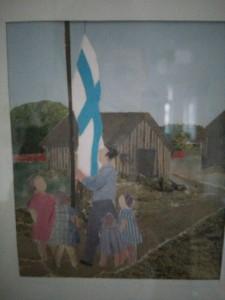 Mange af Martta Olesens kunstværker har motiver fra hendes barndom; her er det det finske flag, der hejses.